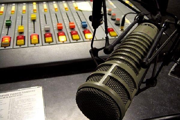 rádio, marketing, pr, moderátor, praxe, stáž, zaměstnání, komerční rádio