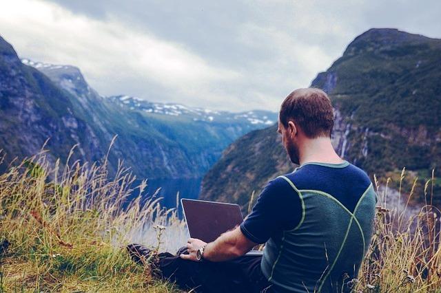 Při práci nadálku můžete cestovat aužívat si přírody jako nadovolené