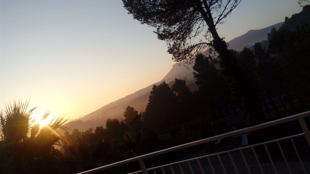 Krásný výhled doúdolí jsem tak viděla jen ráno, kdyžse zrovna mohlo větrat.