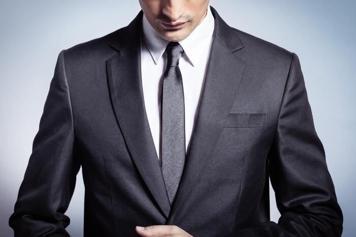 Módní oblek je pro někoho nezbytností, kdežto jiný sebez něj rád obejde.